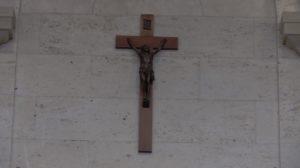 Μολδαβία: Κατεβάζουν τον Σταυρό από τις δημόσιες υπηρεσίες