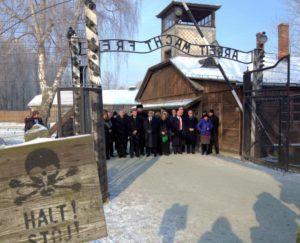 Πολωνία: «Ιστορική» επίσκεψη μουσουλμάνων και εβραίων 60  θρησκευτικών αξιωματούχων στο Άουσβιτς