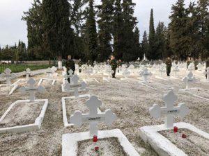 Λάρισα: Τρισάγιο στο στρατιωτικό Κοιμητήριο
