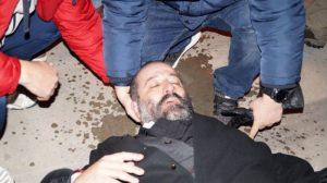 """π. Γεώργιος Κωνσταντίνου: """"Δεν έχουμε όπλα απέναντι στα ΜΑΤ, όπλα μας η φωνή και τα σώματα"""""""