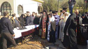 ΜΕΣΟΛΟΓΓΙ : Εξόδιος Ακολουθία Καθηγουμένης Βερονίκης στη Μονή Αγίου Συμεών