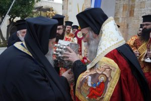 Κρήτη: Υποδοχή της Τίμιας Κάρας του Οσίου Δαυίδ