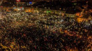 ΜΑΥΡΟΒΟΥΝΙΟ : Μεγάλη διαδήλωση για το εκκλησιαστικό ζήτημα