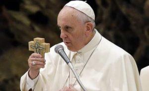 """Ο Πάπας καλεί """"τον πλούσιο κόσμο να βάλει τέλος στη φτώχεια"""" – Το ΒΑΤΙΚΑΝΟ τι κάνει;"""